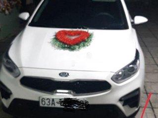 Cần bán lại xe Kia Cerato sản xuất năm 2019, màu trắng chính chủ