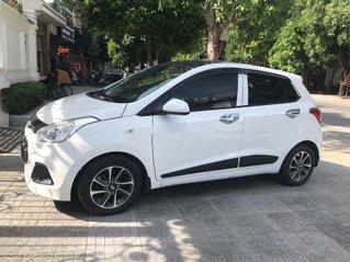 Cần bán Hyundai Grand i10 sản xuất năm 2016, màu trắng, nhập khẩu