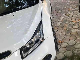 Bán Chevrolet Cruze năm 2017, màu trắng, xe gia đình
