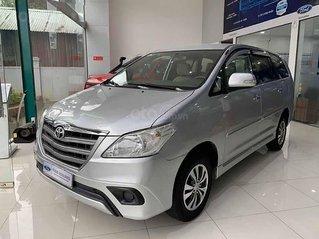 Bán Toyota Innova năm sản xuất 2015, màu bạc xe gia đình, 475tr