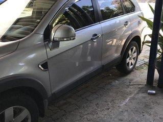 Cần bán gấp Chevrolet Captiva đời 2011, màu bạc, xe gia đình