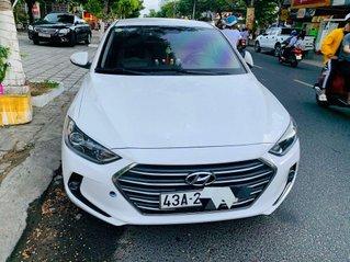 Bán xe Hyundai Elantra 1.6 MT năm sản xuất 2017, màu trắng
