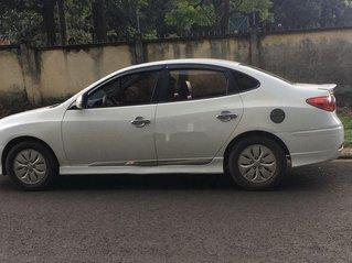 Bán xe Hyundai Avante đời 2011, màu trắng, nhập khẩu, giá tốt