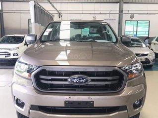 Ford Ranger XLS AT 2020 - chỉ 185 triệu - tặng phụ kiện lên đến 30tr, hỗ trợ lãi suất trả góp từ 0,62%