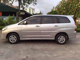 Bán Toyota Innova sản xuất 2014, màu bạc xe gia đình, giá 373tr