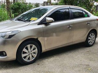 Cần bán Toyota Vios 2015, màu vàng còn mới