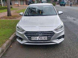 Bán xe Hyundai Accent sản xuất 2019, màu bạc, xe chính chủ