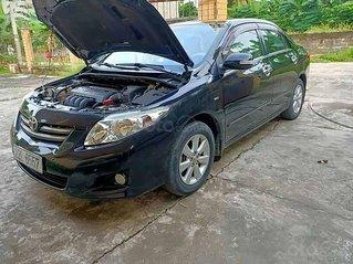 Cần bán gấp Toyota Corolla Altis đời 2010, màu đen còn mới