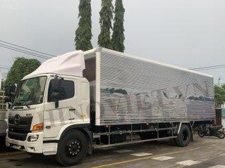 Hino 8 tấn thùng kín 8m9 - mua xe không cần đóng lệ phí trước bạ