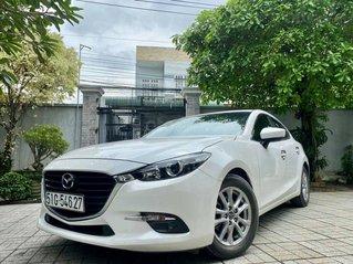 Cần bán xe Mazda 3 1.5 đời 2017, màu trắng