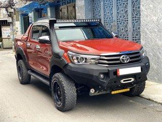 Bán ô tô Toyota Hilux 2018, xe nhập, số tự động, màu cam