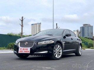 Jaguar XF 2.0 2015, màu đen, nhập khẩu