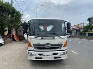 Xe tải Hino sx 2020 gắn cẩu Unic344 thùng 6.1m
