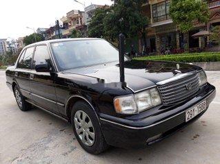 Bán Toyota Crown sản xuất năm 1994, màu đen, nhập khẩu nguyên chiếc chính chủ, giá tốt
