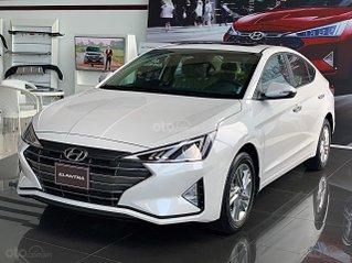 Hyundai Elantra 2020 ưu đãi cực lớn, giảm ngay 50% thuế trước bạ + tặng tiền và phụ kiện