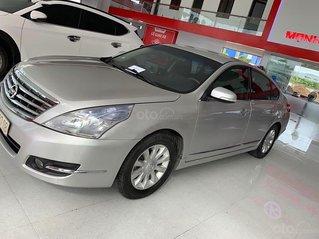 Bán Nissan Teana 2.0 đời 2009, màu bạc, nhập khẩu nguyên chiếc