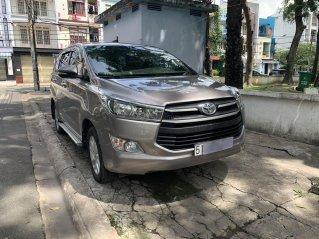 Bán Toyota Innova E 2017 số sàn, xe cực đẹp giá tốt, có hỗ trợ góp ngân hàng