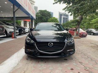 Bán nhanh chiếc Mazda 3 màu đen, sản xuất năm 2018, xe giá thấp, đi ít
