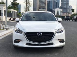 Ưu đãi giảm giá sâu với chiếc Mazda 3 màu trắng, sản xuất năm 2019, xe giá tốt, giao nhanh