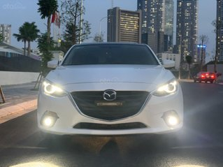 Ưu đãi giảm giá sâu với chiếc Mazda 3 màu trắng, đời 2015, xe còn mới, một đời chủ sử dụng