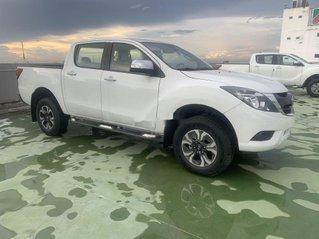 Bán xe Mazda BT 50 đời 2019, màu trắng, giá chỉ 575 triệu