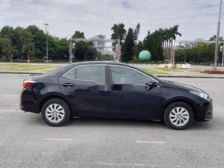 Cần bán lại xe Toyota Corolla Altis năm 2018, màu đen xe gia đình