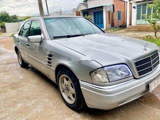 Cần bán gấp Mercedes C220 sản xuất năm 2000, màu bạc