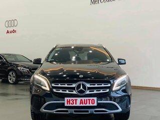 Cần bán xe Mercedes GLA200 sản xuất năm 2017, màu đen, xe nhập còn mới