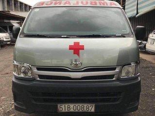 Cần tiền bán lại xe cứu thương Toyota Hiace năm sản xuất 2011