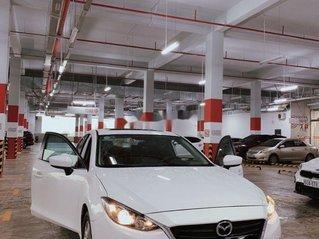 Bán Mazda 3 năm sản xuất 2017, màu trắng, nhập khẩu, siêu mới