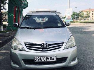 Bán Toyota Innova đời 2010, màu bạc số tự động, 1 chủ từ đầu
