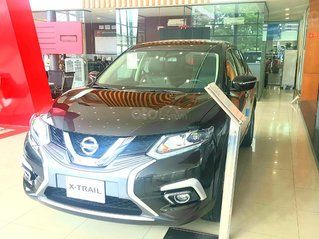 Xtrail 2.0 Luxury giá chỉ từ 210 triệu cùng nhiều quà tặng