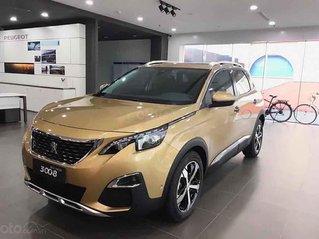 Cần bán xe Peugeot 3008 sản xuất 2020, màu vàng cát, giao nhanh toàn quốc