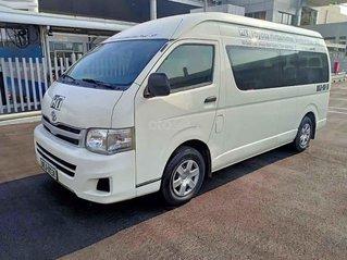 Cần bán xe Toyota Hiace sản xuất năm 2012, màu trắng, nhập khẩu nguyên chiếc