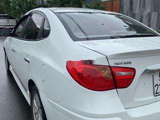 Bán Hyundai Avante năm sản xuất 2014, màu trắng, số sàn