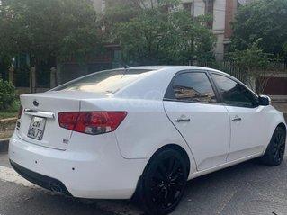 Cần bán xe Kia Forte đời 2011, màu trắng