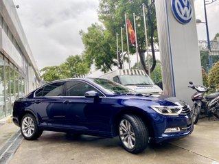 Xe nhập khẩu Đức - Passat Bluemotion màu xanh 2020 - Khuyến mãi 120% trước bạ