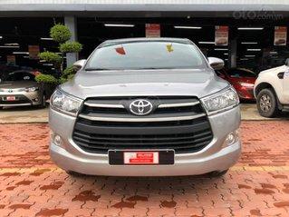 Bán Toyota Innova E 2019 - số sàn màu bạc