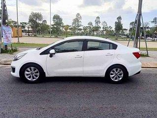 Cần bán Kia Rio năm sản xuất 2015, màu trắng, nhập khẩu, xe giá mềm