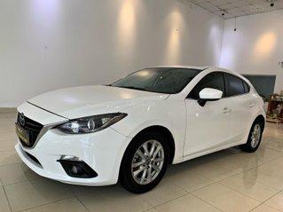 Cần bán xe Mazda 3 đời 2015, màu trắng