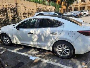 Xe Mazda 3 năm 2017, màu trắng còn mới giá cạnh tranh