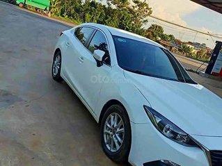 Bán xe Mazda 3 năm sản xuất 2016, màu trắng còn mới, giá 488tr