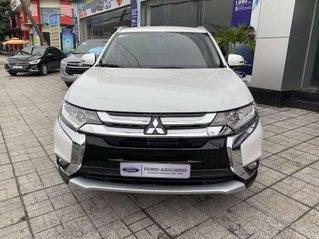Mitsubishi Outlander 2.0 2019 AT trả trước 30% xe chính hãng bán