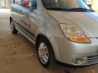 Bán xe Chevrolet Spark đời 2011, màu bạc còn mới