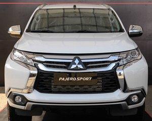 Bán gấp chiếc Mitsubishi Pajero Sport 2.4MT, sản xuất năm 2020, giá thấp, giao nhanh toàn quốc