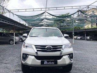 Xe Toyota Fortuner sản xuất năm 2019, màu trắng còn mới