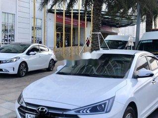 Cần bán Hyundai Elantra sản xuất năm 2019 còn mới, 540 triệu