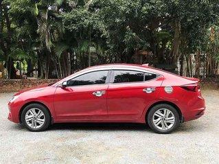 Bán Hyundai Elantra sản xuất năm 2019, màu đỏ còn mới, giá 609tr