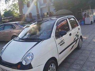 Xe Daewoo Matiz sản xuất 2004, màu trắng còn mới
