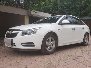Cần bán để đổi xe cho nữ đi Chervolet Czure trắng - đời 2013 số tự động 1.8 LTZ bản full